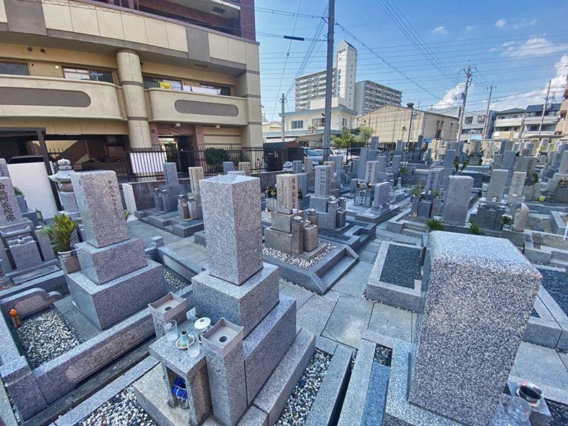 川辺共同墓地 整備された区画
