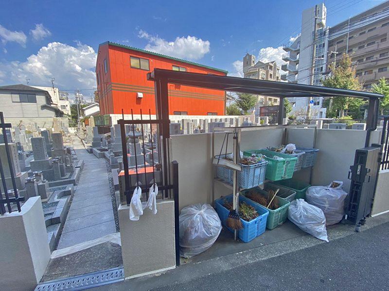 川辺共同墓地 ゴミ捨て場