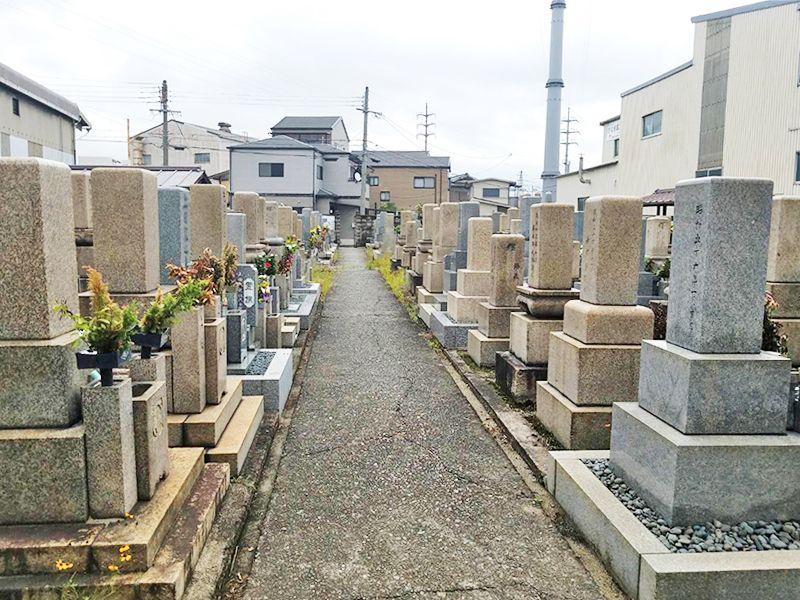 一津屋・和道共同墓地