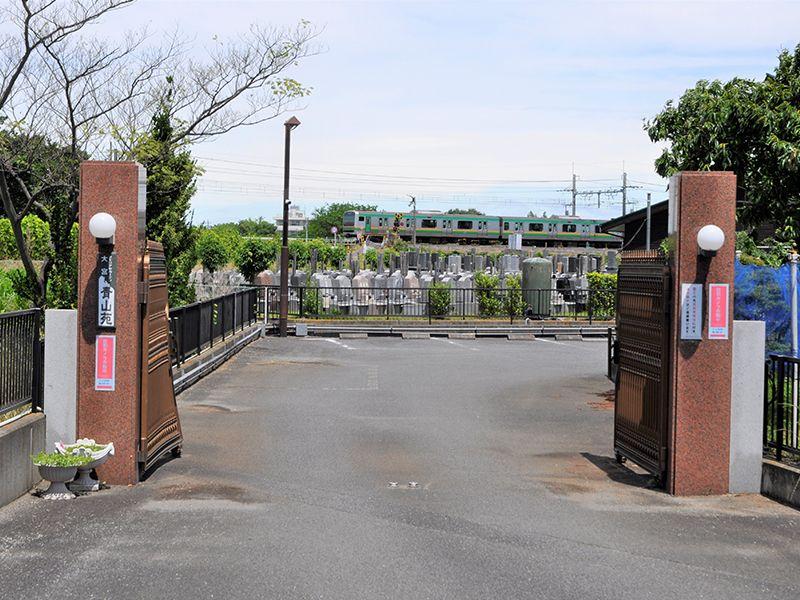 メモリアルガーデン大宮青山苑 バリアフリーの駐車場