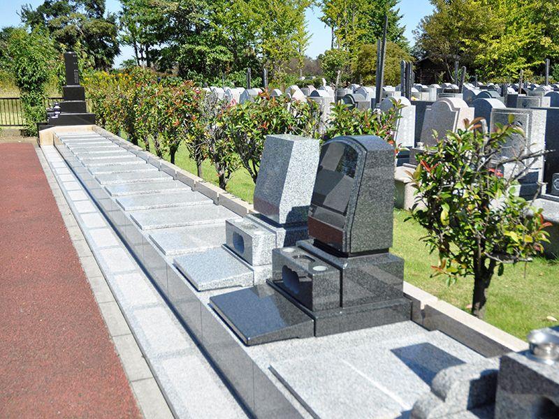 メモリアルガーデン大宮青山苑 区画整備された墓域