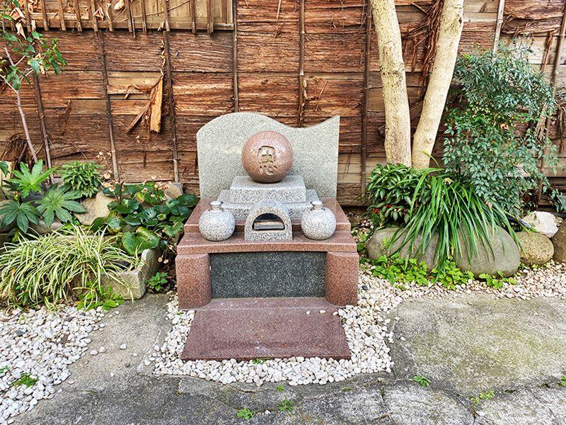 東上野霊苑 霊園内供養碑