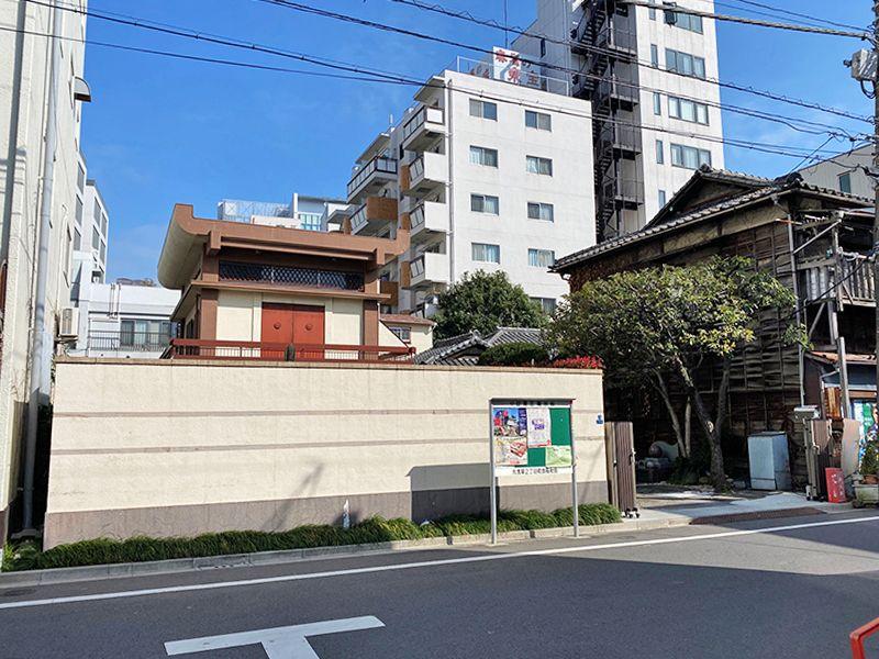 東上野霊苑 住宅街の中にある霊苑