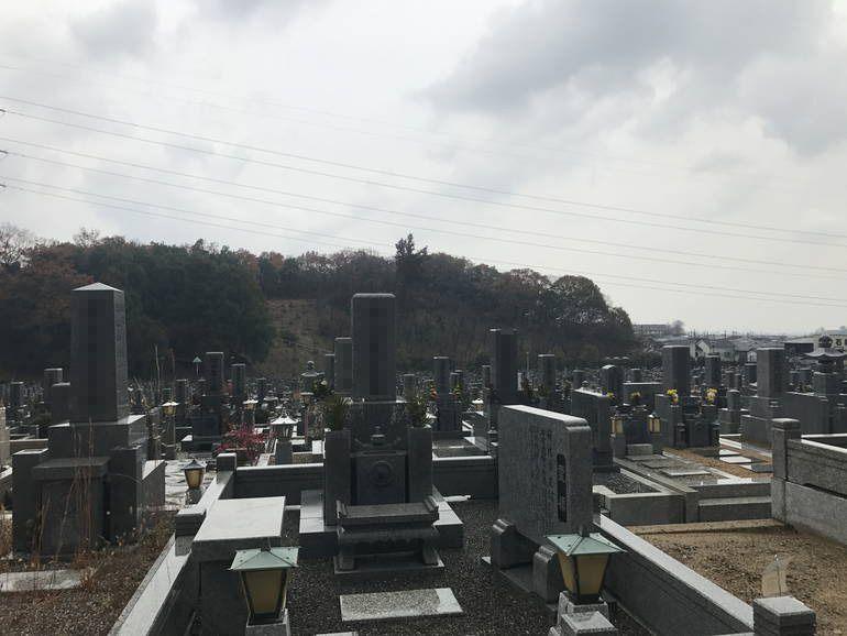大阪狭山市営 西山霊園 開放感のある園内