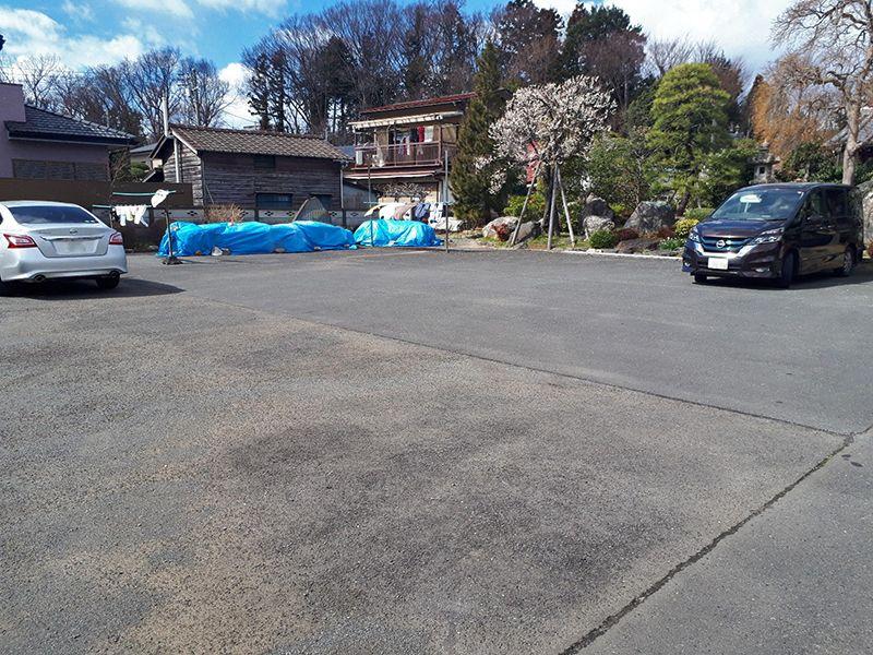 日野市営墓地 バリアフリー設計の駐車場