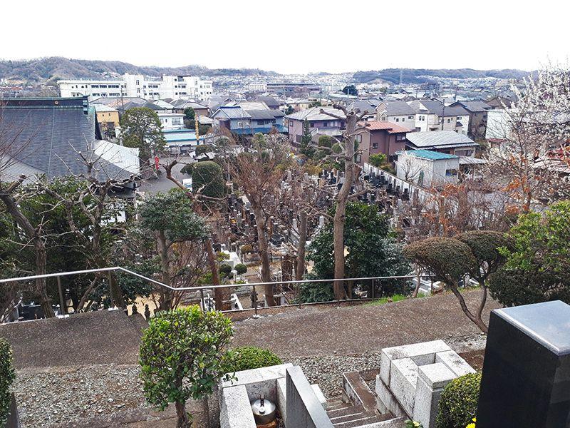 日野市営墓地 住宅街の中にある墓域