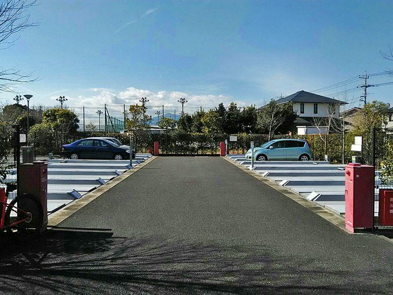 海老名フォーシーズンメモリアル 駐車場