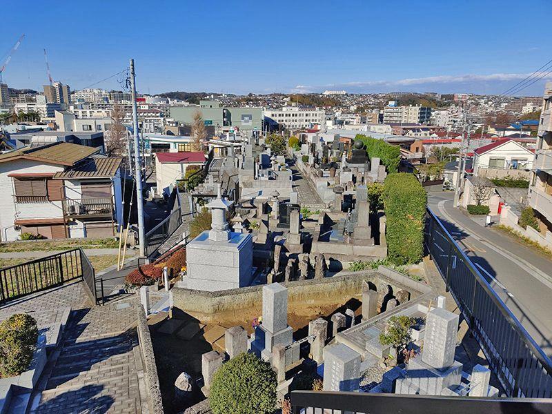 永林寺 のうこつぼ 周囲は閑静な住宅街