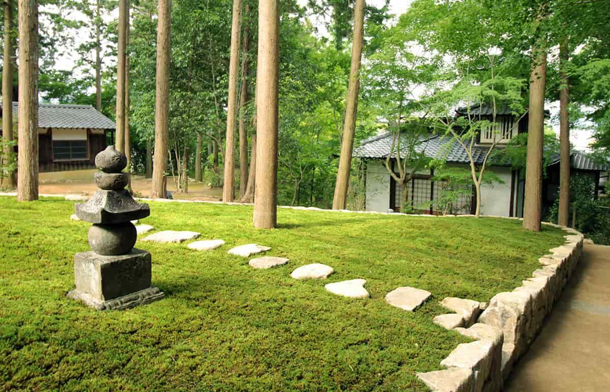 法洲苑の樹木葬