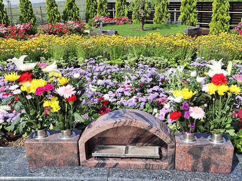 サニープレイス松戸 樹木葬・永代供養墓 花に囲まれた永代供養墓