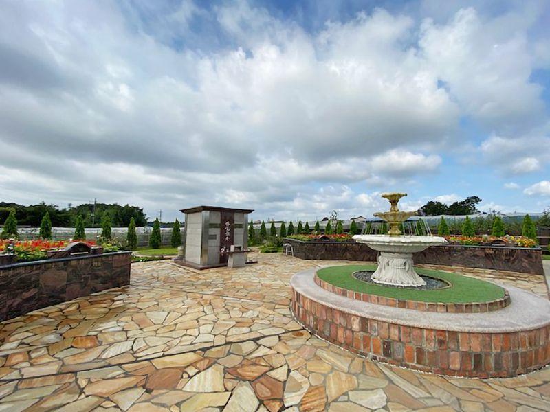 サニープレイス松戸 樹木葬・永代供養墓 樹木式永代供養墓 四季の庭「花の区」