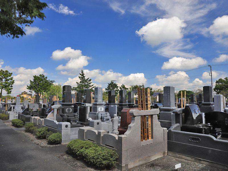 善勝寺 和式・洋式の墓石がある墓域