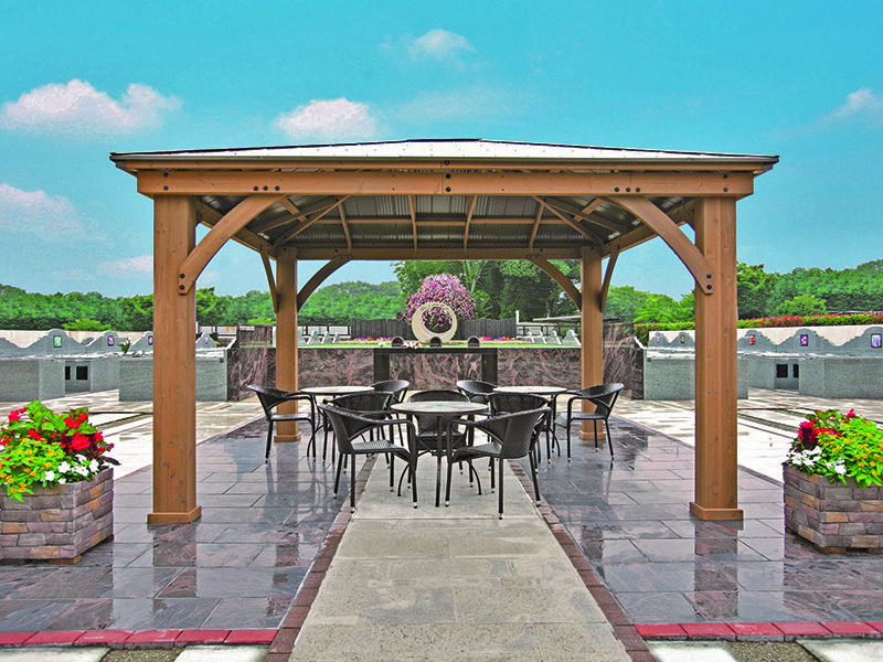 サニープレイス所沢 永代供養墓・樹木葬 屋根付き屋外休憩所