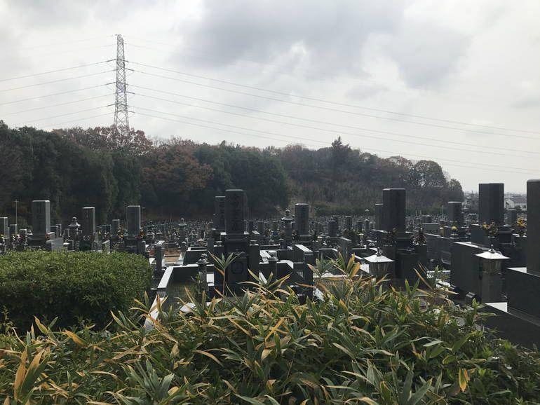 大阪狭山市営 西山霊園 自然に囲まれた園内