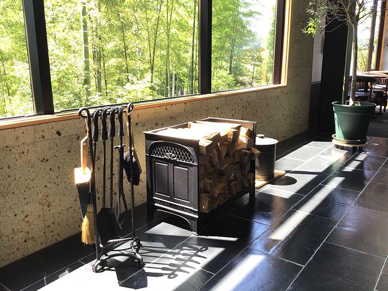 メモリアルフォレスト多摩 薪ストーブ用の薪