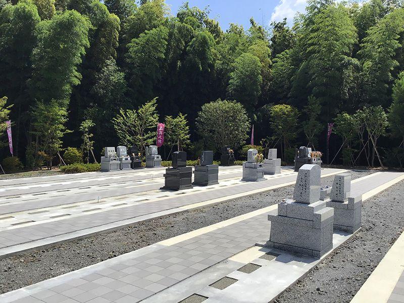 メモリアルフォレスト多摩 墓域を囲む自然