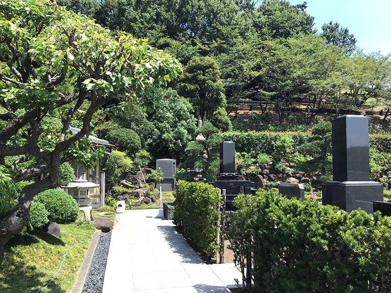 メモリアルフォレスト多摩 御影石が美しい墓石