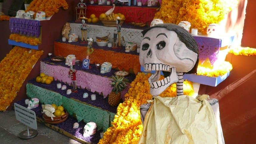 メキシコのお墓
