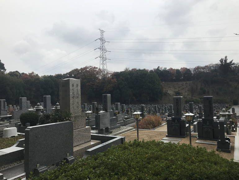 大阪狭山市営 西山霊園 植栽のある区画