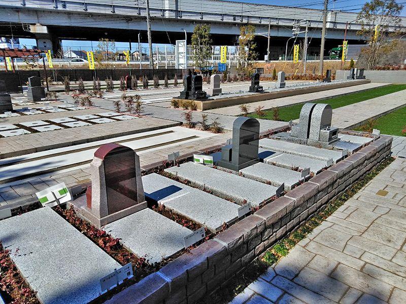 川口中央霊園 整備された墓域