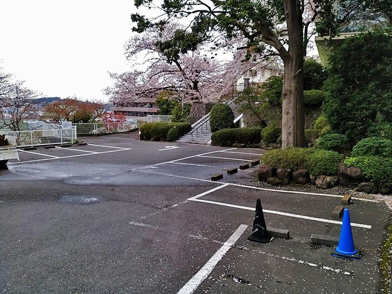霊園やすらぎの丘 駐車スペース