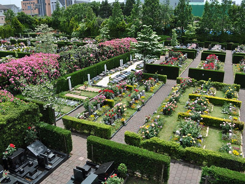 秋津ふれあいパークの庭園風景