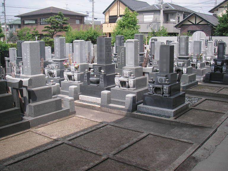 總見院墓地