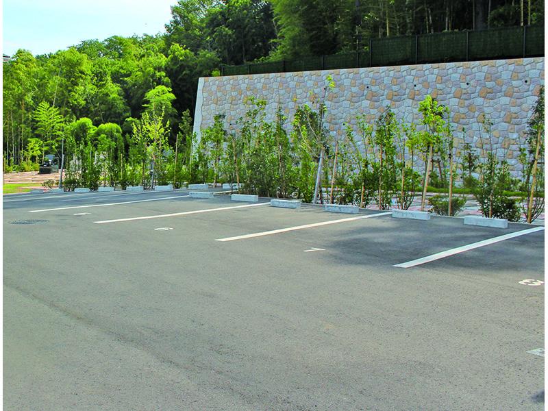 都筑まどか霊園 駐車スペース