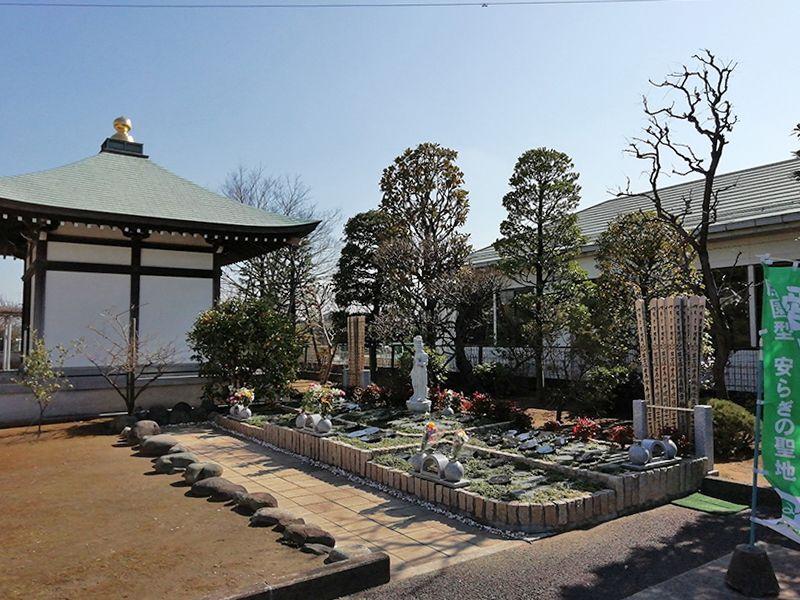 八潮樹木葬墓地 木々に包まれる樹木葬
