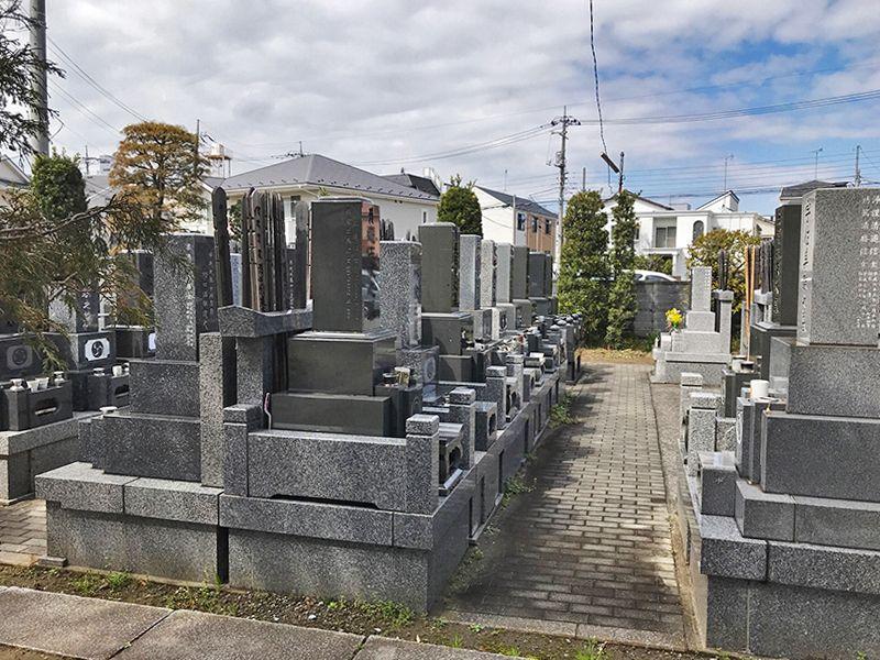 円照寺墓苑