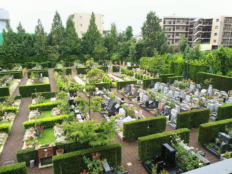 秋津ふれあいパーク 墓地の全景