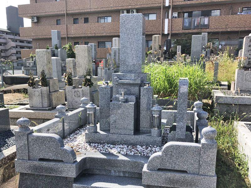 下穂積共同墓地
