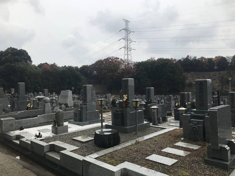 大阪狭山市営 西山霊園 広々とした区画