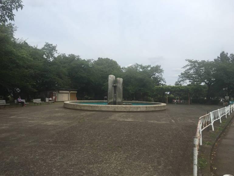 川崎市営 緑ヶ丘霊園 噴水広場