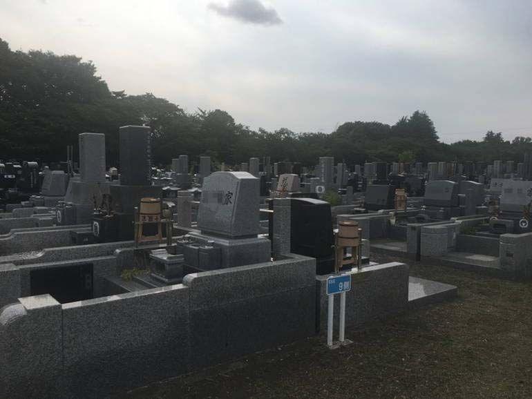 川崎市営 緑ヶ丘霊園 和式洋式が混在する墓域