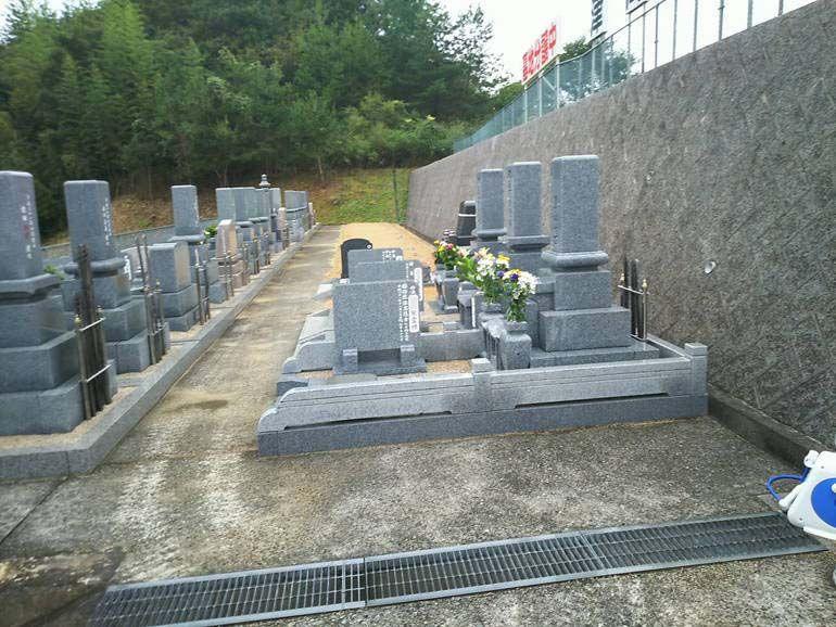 津高レイクサイド墓苑