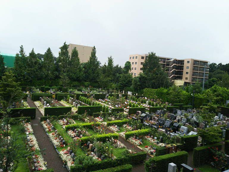 秋津ふれあいパークの墓地全景