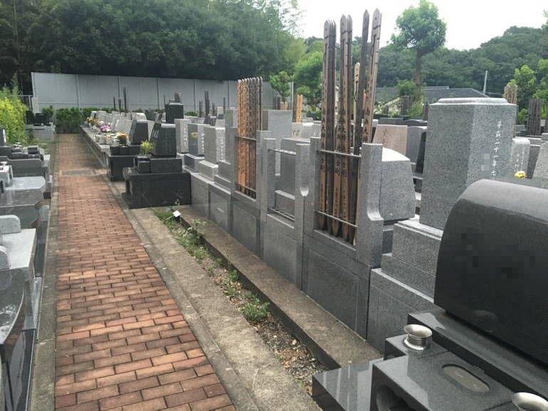 藤沢城南霊園 水はけのよい参道