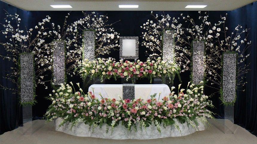 華やかな祭壇