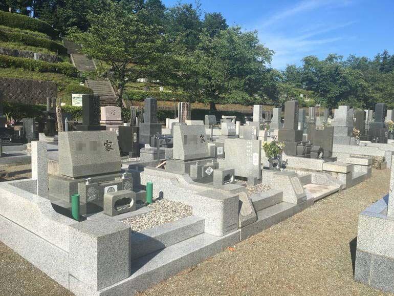 小田原市営 久野霊園 ゆとりのある参道