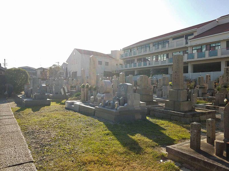 小路・寺内共同墓地