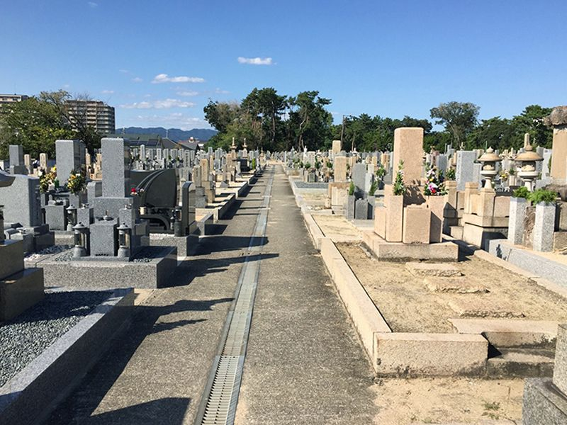 服部区有墓地