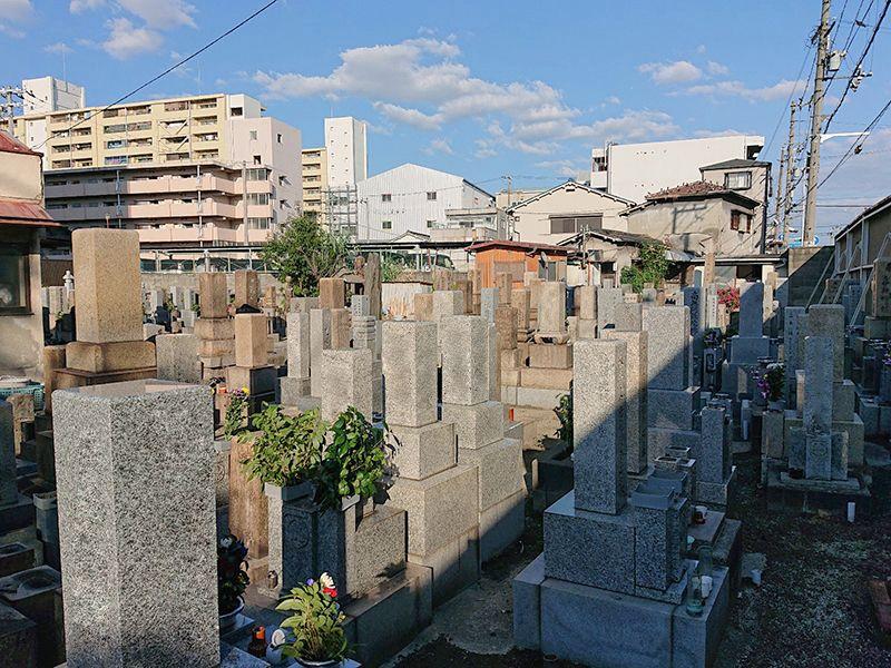 津守斎場墓地