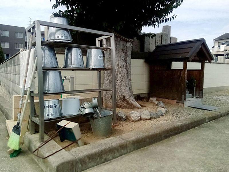 矢田冨田町墓地