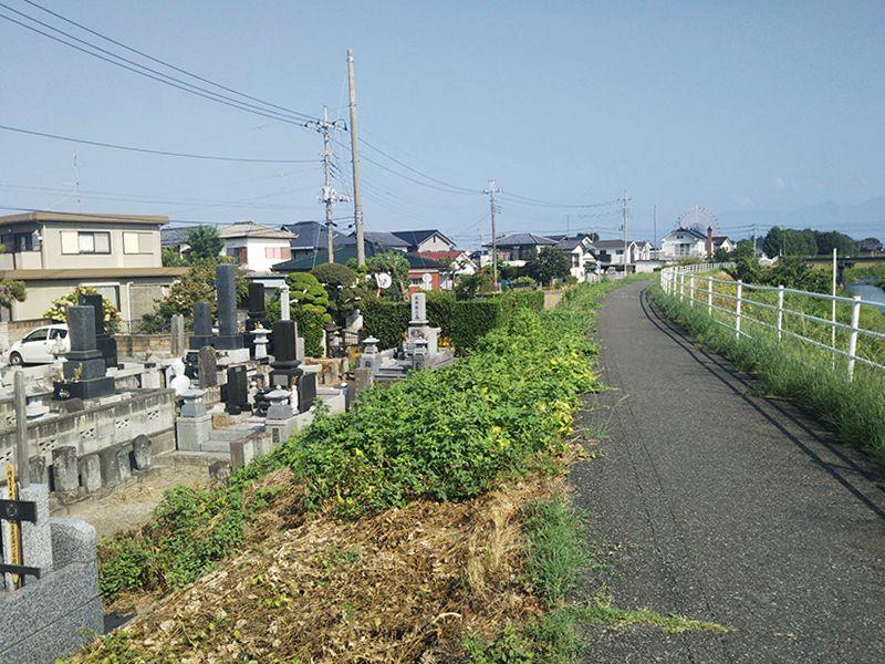 伊勢崎宗高町墓地