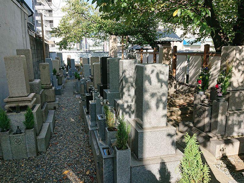 光傅寺(光伝寺) 境内墓地
