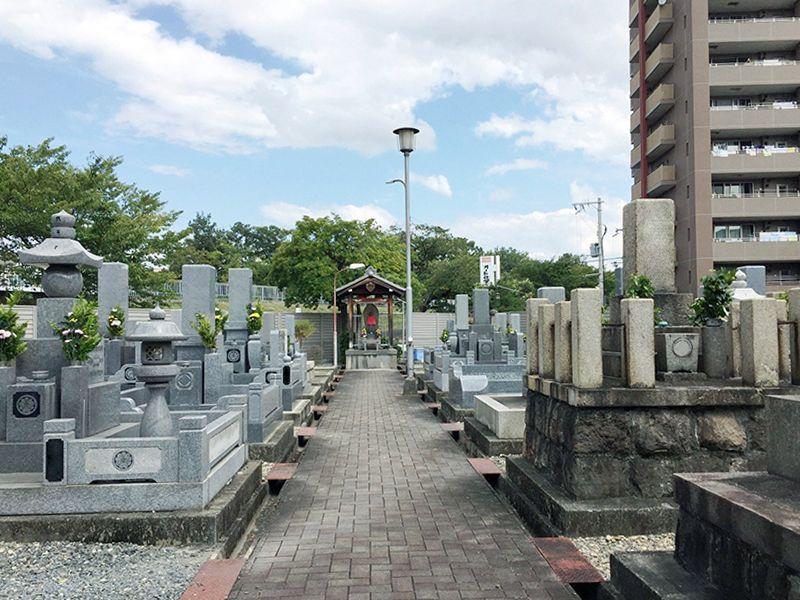 北今在家墓地