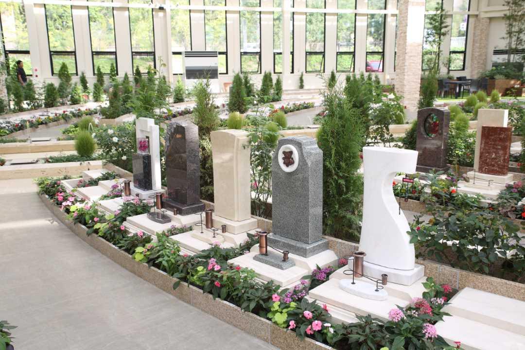 瑞現寺 札幌もなみふれあいパーク デザイン性の高い代々墓エバーグリーン