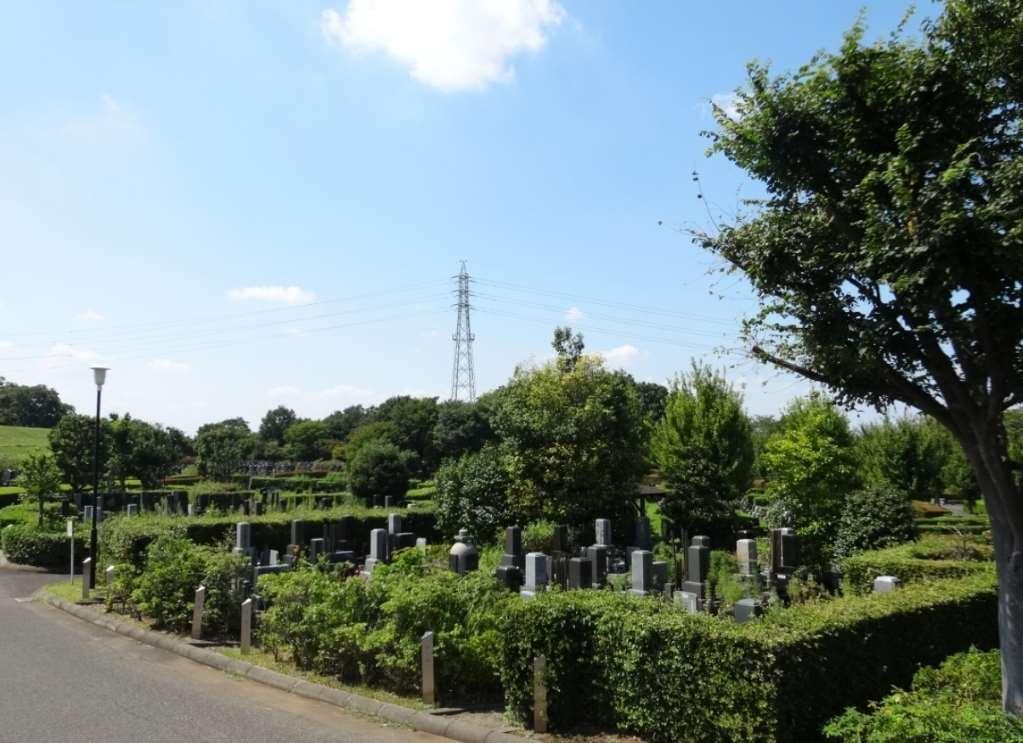 新座市営墓園の敷地入口
