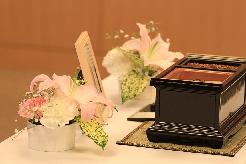 お花と香炉台